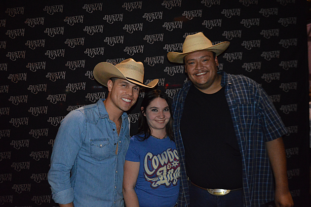 Get your dustin lynch vip pictures here photos m4hsunfo